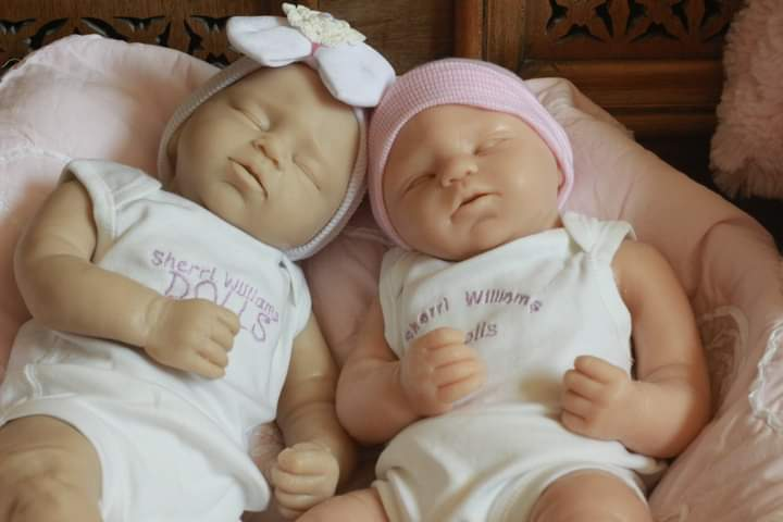 online doll show